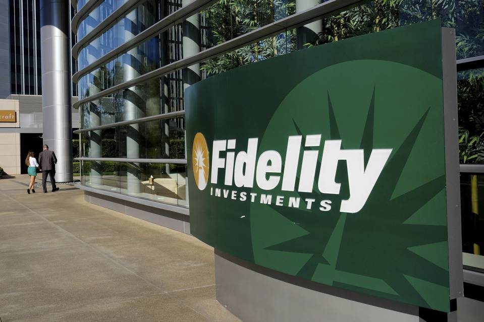 Whale Spotted! Fidelity Flexes its $2+ Trillion Muscle in Possible Crypto Exchange Move